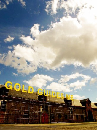 Anne Katrine Senstad, GOLD GUIDES ME – Capitalism and the Public Realm, 2015