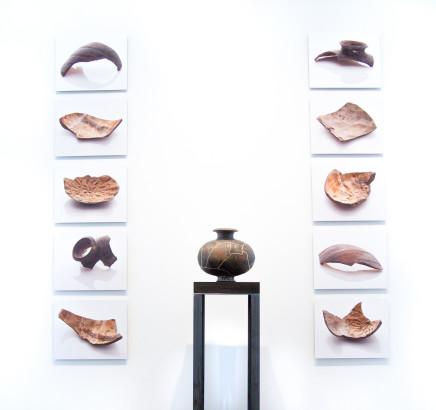 Bouke de Vries, Cocoon jar and fragments, 2017