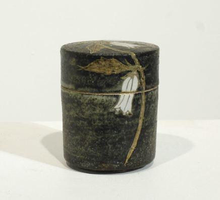 Tadami Hirota, Small Cylindrical Box - Bell Flower , 2017