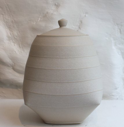 Sun Kim, Medium Lidded Jar, 2018