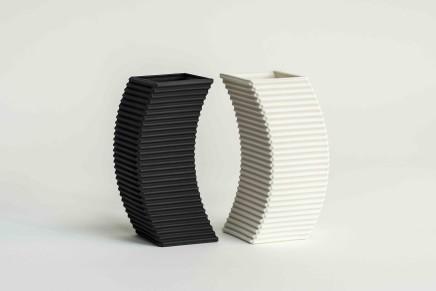 Keith Varney, Converge pair-black & white porcelain, 2018