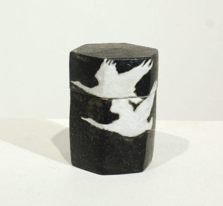 Tadami Hirota, Hexagonal Box - Hakucho Niwa - Two Swans , 2017