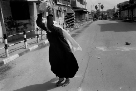 Larry Towell, Palestine Square, Gaza City, Gaza, 1994