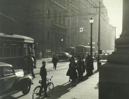 Charles Devenish Woodley, Downtown at the corner of King & Yonge Sts., 5:30 PM, 1940
