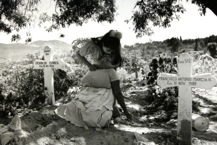 Larry Towell, Grieving Mother in Cemetery, San Salvador, El Salvador, 1991