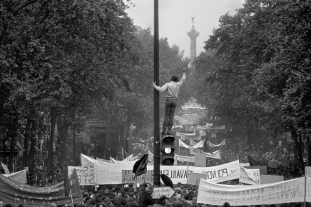 Bruno Barbey, One million demonstrators walking towards the Place de la Bastille, May 13th, 1968