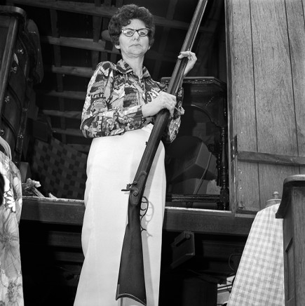 Rosalind Fox Solomon, Ready to Fire, Scottsboro, Alabama, 1976