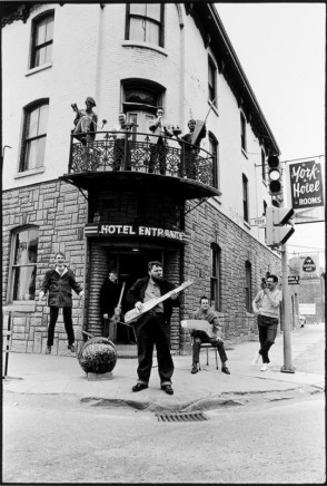 Ian MacEachern, On Balcony: Greg Curnoe, Archie Leitch, and John Clement; On Ground: Bill Exley, Art Pratten, Hugh McIntyre, Murray Favro, and John Boyle; Nihilist Spasm Band, York Hotel, London, ON, 1968