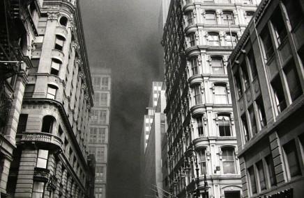 Larry Towell, New York City [light reflecting off windows], 2001