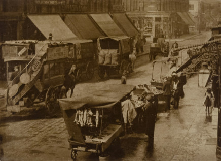 Minna Keene, Street scene London, circa 1907