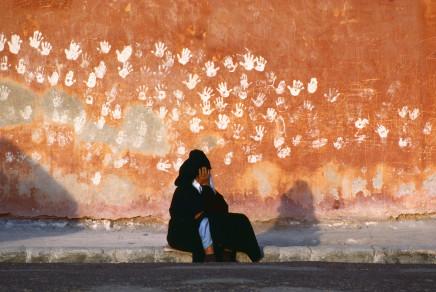 Bruno Barbey, Along the battlements, Essaouira, Morocco, 1985