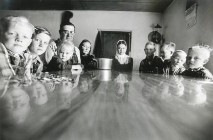 Larry Towell, La Batea Colony, Zacatecas, Mexico [Dyck family at dinner table], 1994