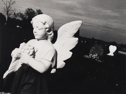Larry Towell, Untitled [Statue], 1974