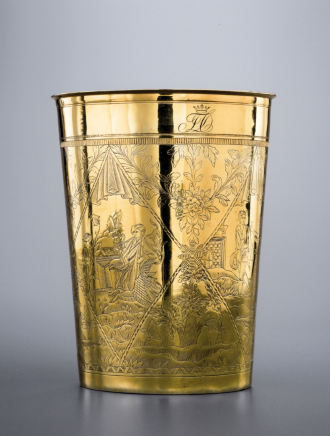 Johann Drentwett, A large gold cylinder glass, with re-engravings made in Russia , Augsbourg, Germany, circa 1780