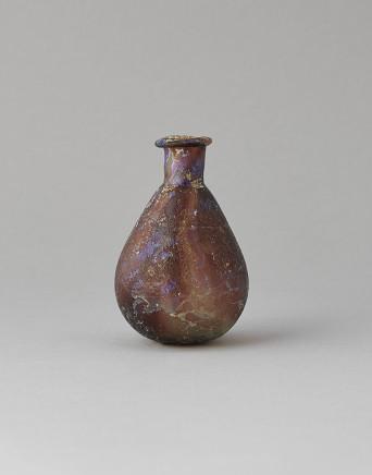 Roman aubergine coloured marbled flask, 1st-3rd century AD