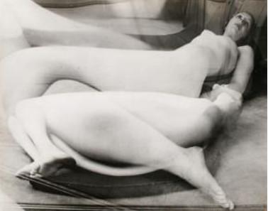 André Kertész, Distortion 37, 1932-33