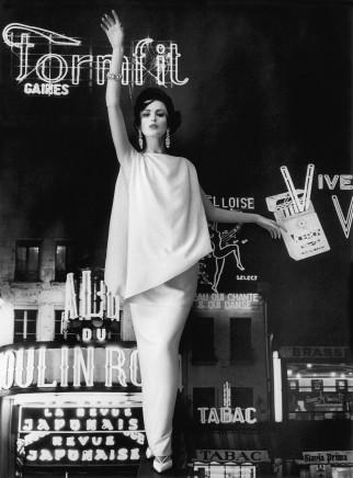 William Klein, Dorothy + Formfit, Paris (Vogue), 1960