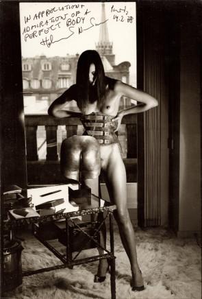 Helmut Newton, Susy Dyson, 55 Quai Voltaire, hommage a Bellmer, 1978