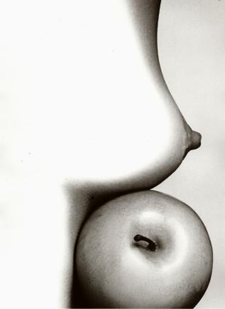 Sam Haskins, Nude with Apple, 1972/99