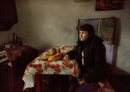 Quintina Valero, Tatiana Ignatiuk in her kitchen in Maksimovichy, 2016