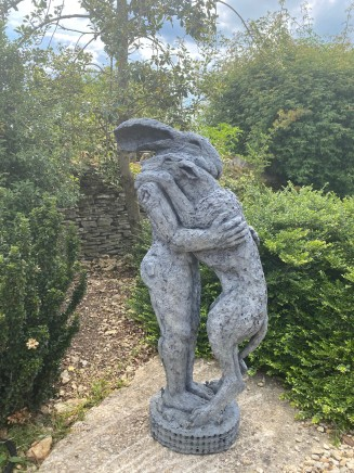 Sophie Ryder, Lady Hare Holding Dog II, maquette, 2016