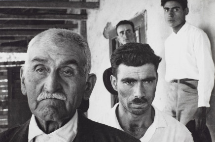 Sergio Larrain, Peasants signing agreement