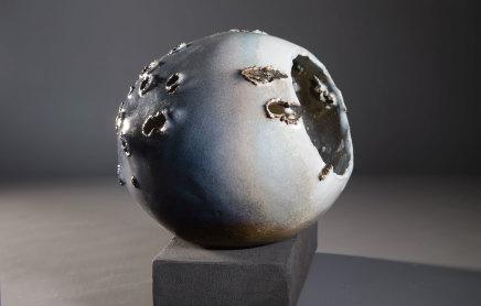 Allison Weightman, Triple spheres on low plinth