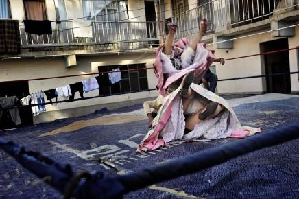 Daniele Tamagni, The Flying Cholitas #1, 2010
