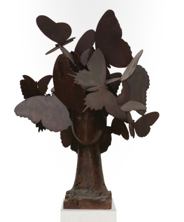 Dido II, 2013  Manolo Valdés  Bronze with iron patina  30.71 x 25.59 x 19.69 inches (78 x 65 x 50 cm)  Edition of 9