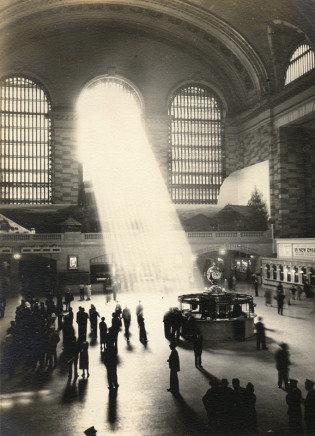 Alexander Artway, Untitled [Sun rays through side windows, Grand Central Station], circa 1935