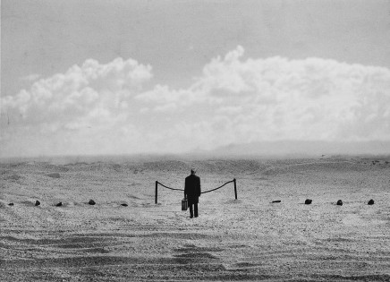 Gilbert Garcin, L'interdiction - The Forbidden, 2000