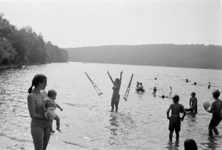 Joel Meyerowitz, Anawanda Lake, New York, 1970