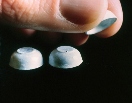 Cynthia Greig, Shell Game, 2001