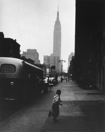 George S. Zimbel, Boy + Empire State Bldg NYC, 1951