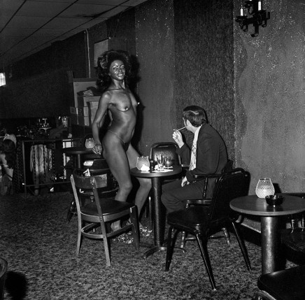 Rosalind Fox Solomon, Chattanooga, Tennessee [Noon at the classic Cat Club], 1977