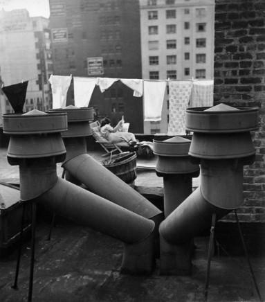 André Kertész, West 20th Street, New York, 1943