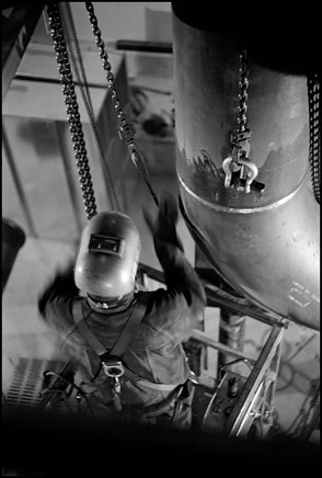 Larry Towell, Welder, Union Station, Toronto, Canada, 2013
