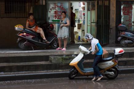 Scott Conarroe, Shampoo Lady, Luzhou, Sichuan, 2012