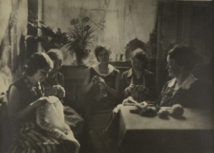 Minna Keene, Knitting Circle, circa 1920