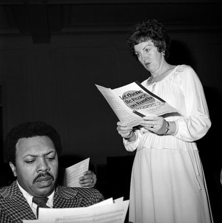 Rosalind Fox Solomon, Singers, Washington, D.C., 1979