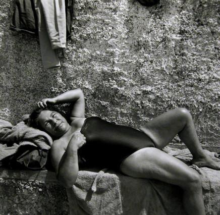 Ruth Kaplan, Fonte Ficorella, Cinitavecchio, Italy (older woman smiling], 1997