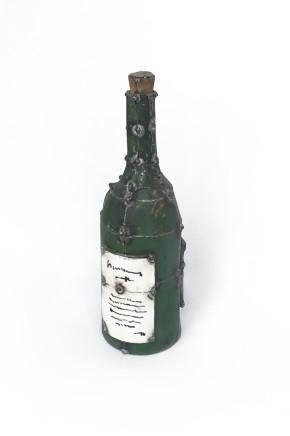 Hannah Kidd, Bottle, 2017
