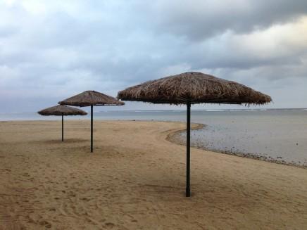 Peter Peryer, Umbrellas, Fiji 4/10, 2013
