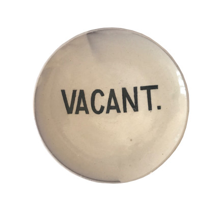 Martin Poppelwell, Vacant (Plate), 2018