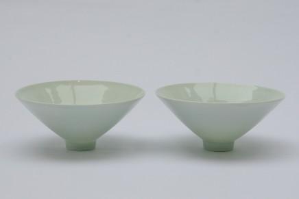 Robyn Hardyman, A pair of footed bowls in a celadon glaze, 2020