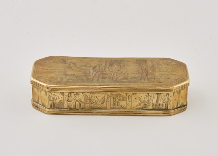 AN INTERESTING DUTCH BRASS SNUFF BOX , 18th century