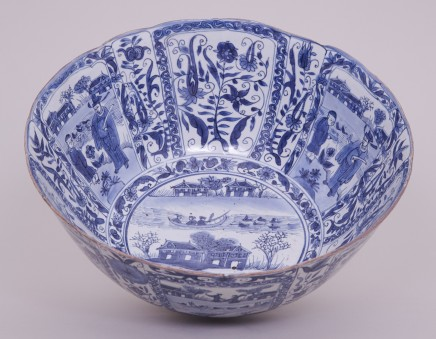 A LARGE CHINESE BLUE AND WHITE KRAAK BOWL, 1635-1650 (Chongzheng)