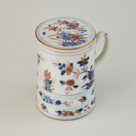 A Rare Set of Four Chinese Imari lidded Tankards, 1662- 1722