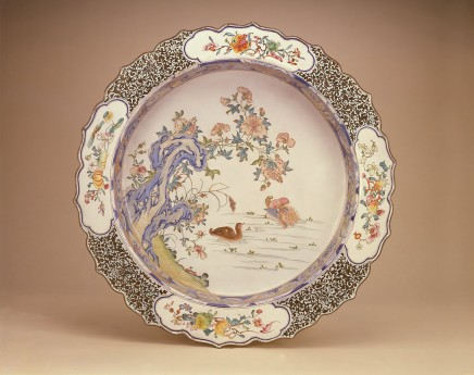 A RARE AND LARGE FAMILLE ROSE CANTON ENAMEL DEEP BASIN , Yongzheng/Early Qianlong