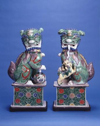 A FINE PAIR OF LARGE BUDDHIST LIONS, Kangxi (1662 - 1722)